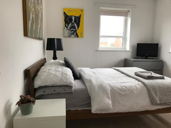 Modern Room 15 Minute Walk to Deansgate / City Ctr