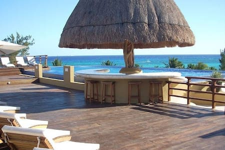 Large Beach Condo With Two Pools - Playa del Carmen