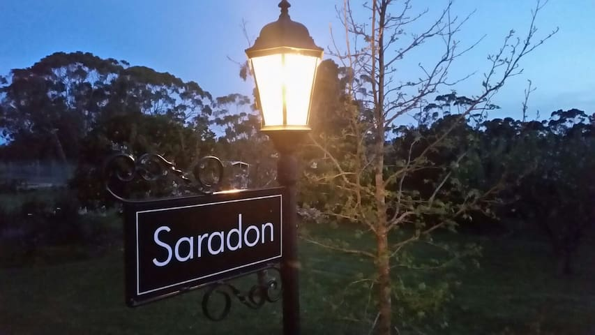Saradon Country Home - Yeodene, Victoria, AU - Appartement