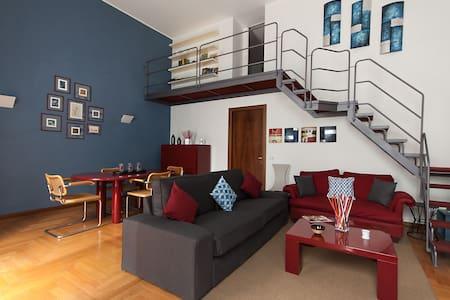 Luxury duplex Duomo apartement - Milan