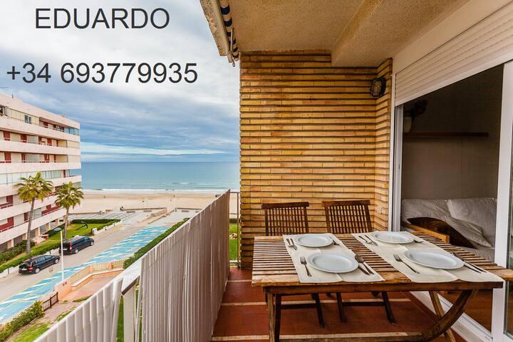 Amazing apartment at the beachfront