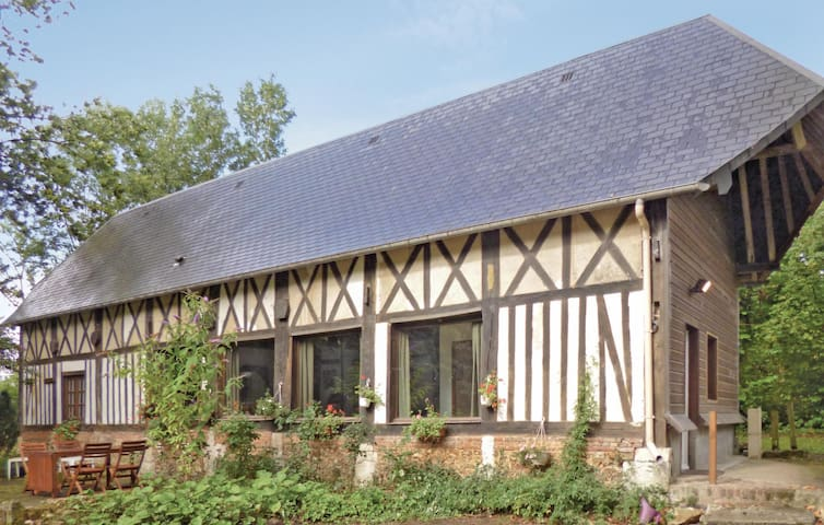 Holiday cottage with 1 bedroom on 85 m² in TOUFFREVILLE-CORBELINE