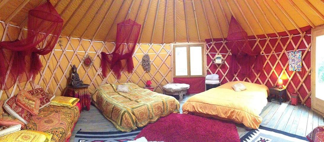 Red yurt - Sainte Cecile d'Andorge - Yurt