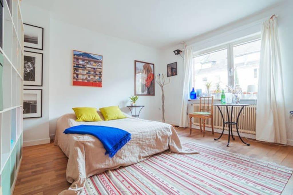 atelierhaus mit ruhigem zimmer 1 h user zur miete in k ln nordrhein westfalen deutschland. Black Bedroom Furniture Sets. Home Design Ideas