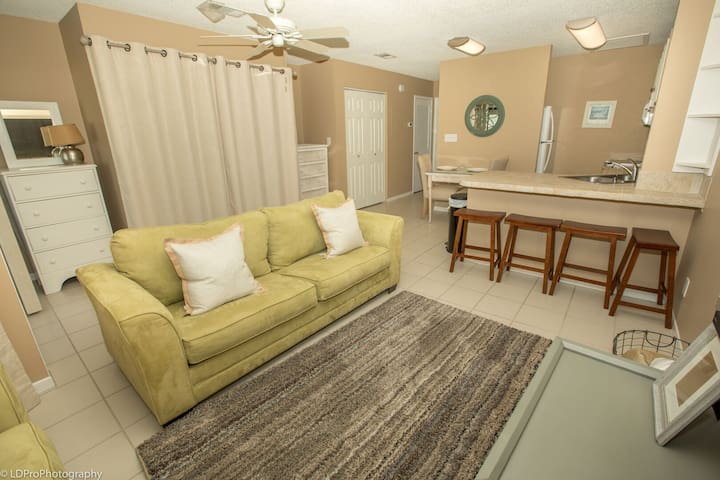 8226 is an upstairs pet friendly studio located in Sandpiper Cove