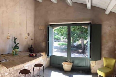 Casa Farfaglia, a charming oil mill in Noto