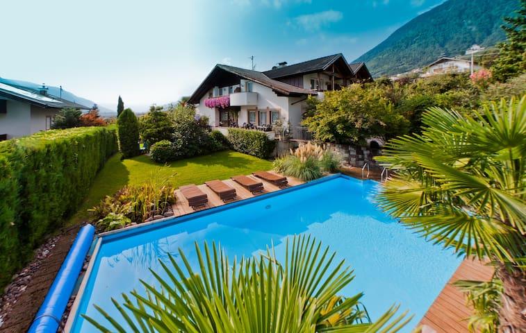 Apartment mit Terrasse und Gemeinschafts-Pool