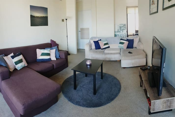 In the Heart of Bondi Junction - Ensuite & Pool