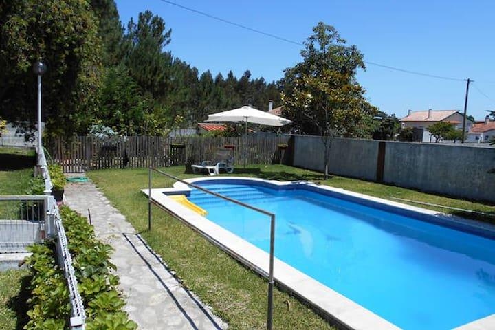 Quarto em casa com piscina Marinha Grande - Marinha Grande