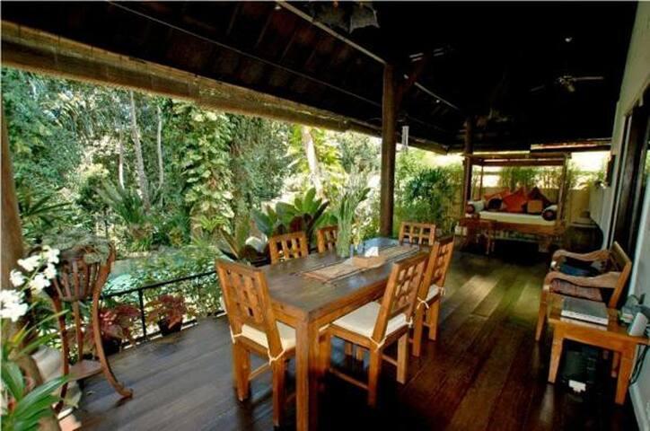 Bali Tukad Villa Canggu