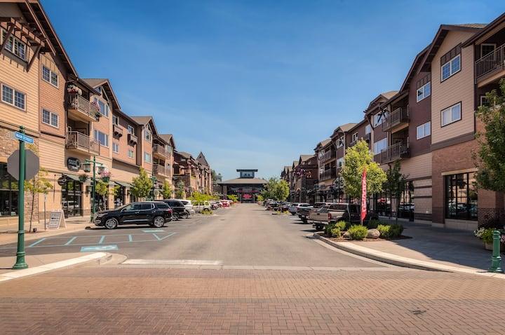 Coeur d' Alene Modern Downtown 1 br 1 ba Apartment