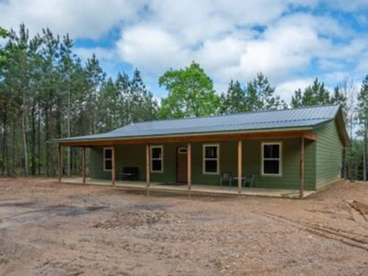 Allies Place Offering Luxury and Seclusion just Mins from Mt. Fork River