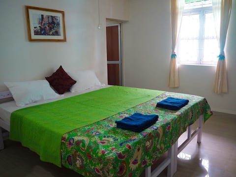 Nimi Guest House 'Indigo'