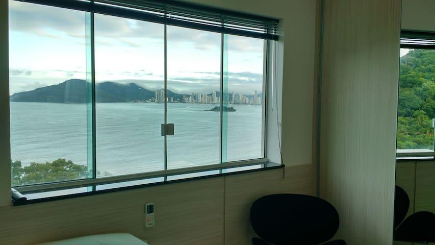 Lindo Stúdio Ótima Localização de frente ao mar.. - Balneário Camboriú - Lägenhet