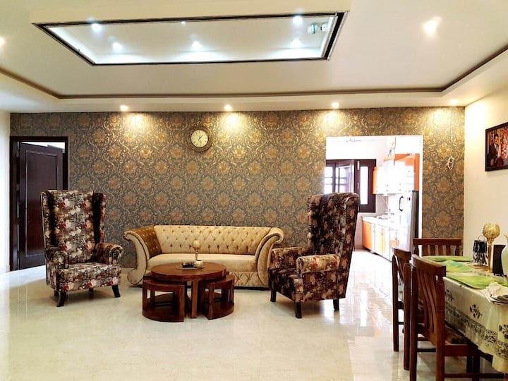 Beautiful Furnished Room, Homely atmosphere