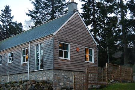 Self Catering Cottage in Braemar - Braemar - Haus