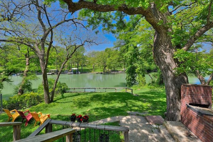 Riverhaus -  Relaxing Retreat
