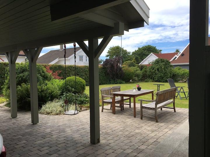 Villa i rolige, idyllisk, maritime omgivelser