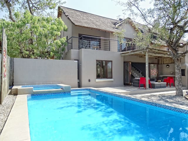 BushGlam Luxury Home, Hoedspruit,Kruger area