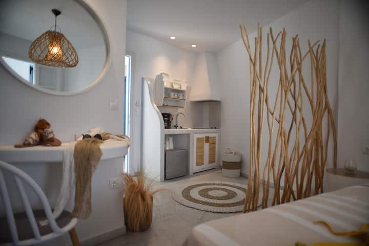 Helen studios double room naxos