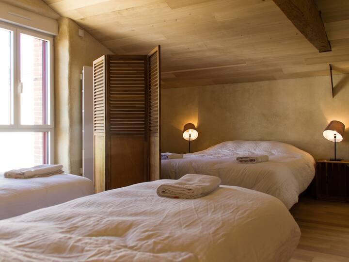 """Le Puy Carmin - Chambre """"Classic"""" 4 personnes"""