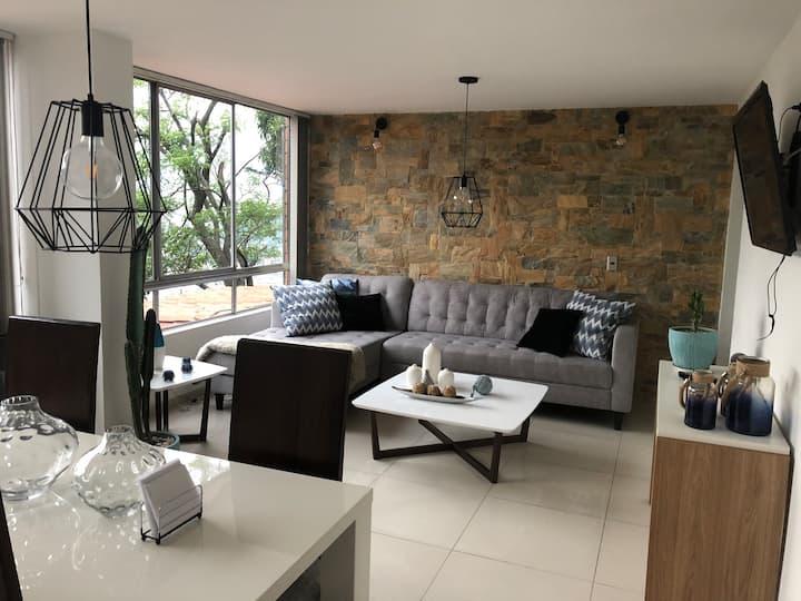 Comfy apartment with convenient location. Poblado