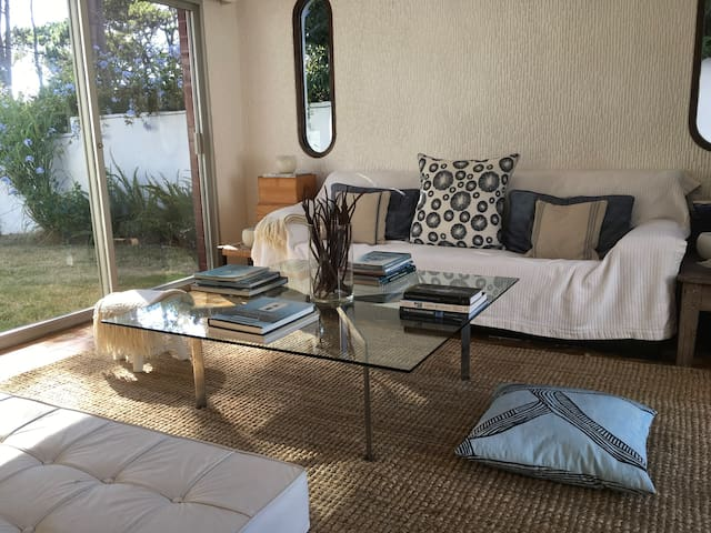 Beautiful Private Bedrooms by the Sea
