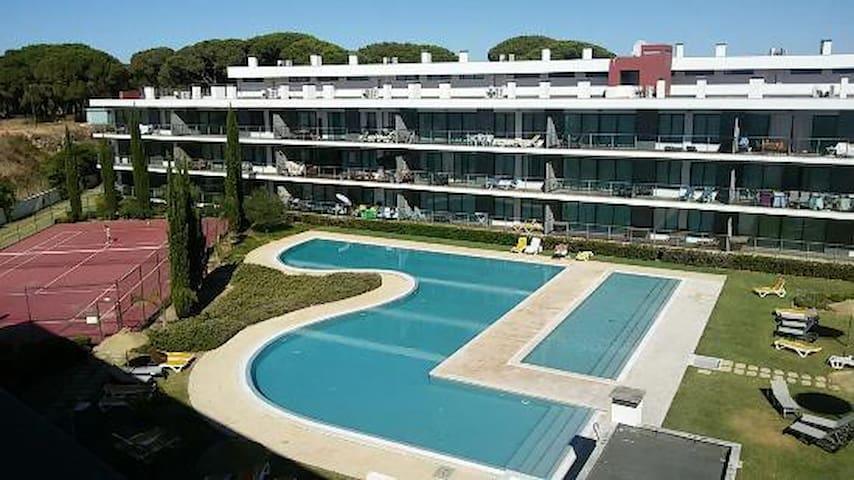 T2 Vilamoura - Condomínio com piscina