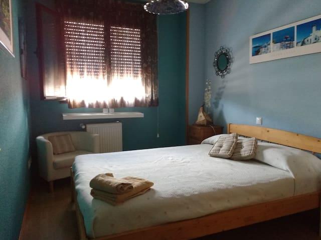 Habitación con cama de matrimonio - Valdemoro - Casa