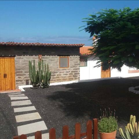 Acogedora cabaña rural con vistas - Lomo Blanco - Бунгало