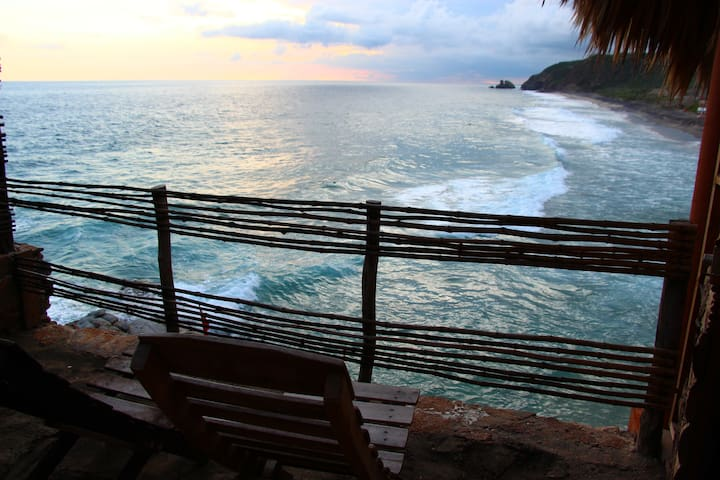 Beachfront cabin in Playa Mermejita Mazunte