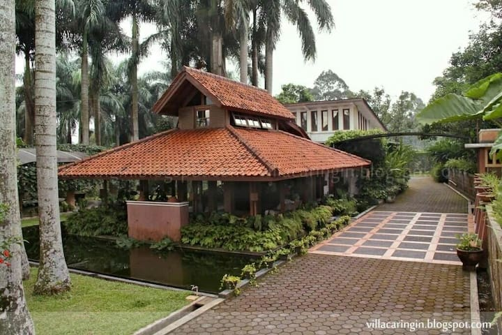 Villa Caringin Bogor - Caringin - วิลล่า
