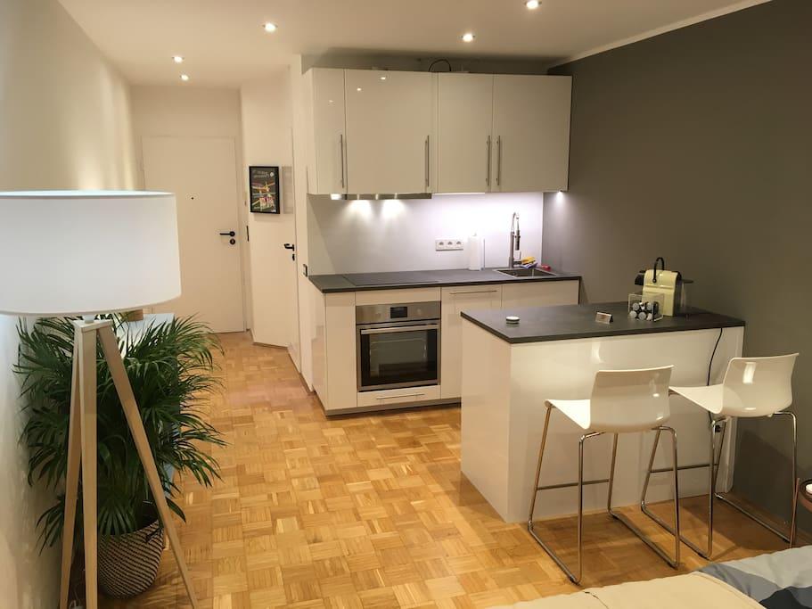 modernes apartment im beliebten belgischen viertel wohnungen zur miete in k ln nordrhein. Black Bedroom Furniture Sets. Home Design Ideas