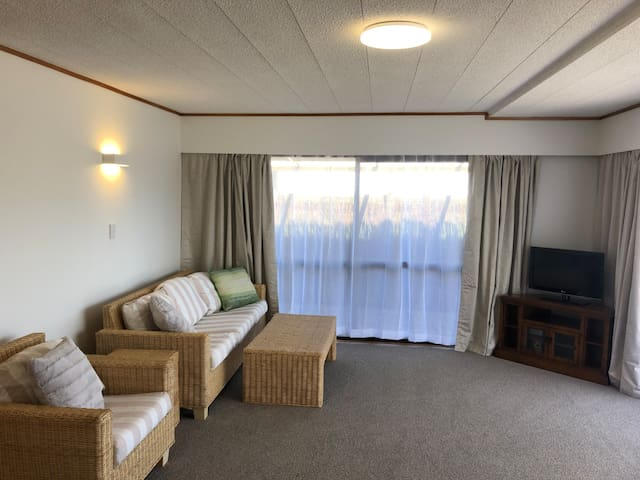 Ruakaka Beach Flat - Come and relax at the beach