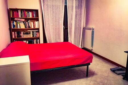 Ampia stanza, balcone+bagno privato - Roma  - Pis