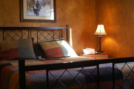 The Jay Village Inn - Suite - Jay