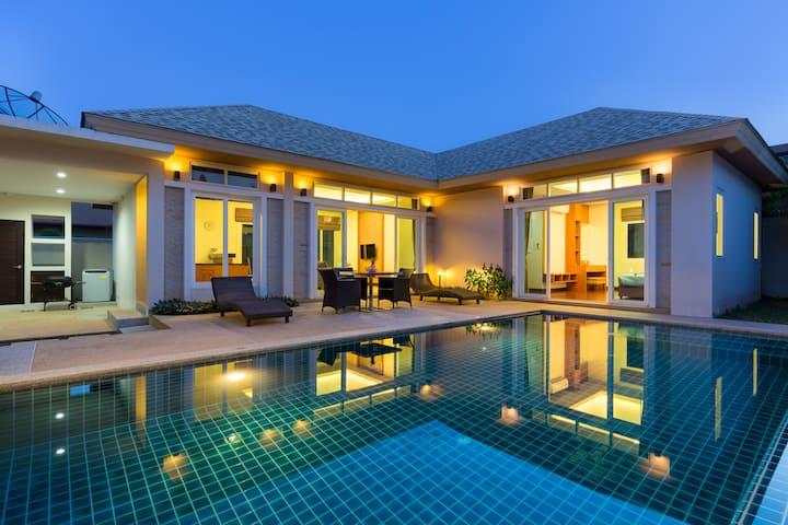 精美的精品别墅,泳池,三卧室,拉威