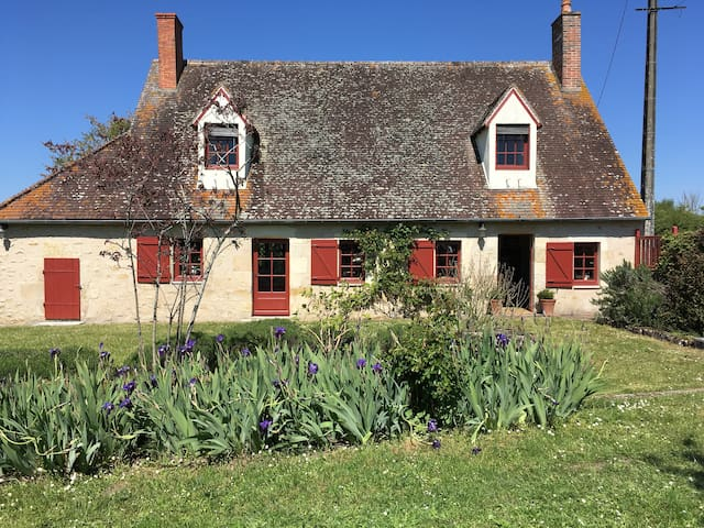 La Maison Tranquille, adorable cottage with garden - Neuvy-le-Barrois - Haus