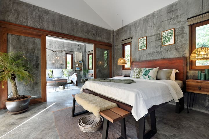 Perfect retreat to come home to after a day exploring our beautiful Koh Lanta.   Sleep peacefully in the air conditioned bedroom