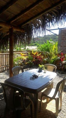 Cabaña-Suite a estrenar en Montañita Frente Playa - Montanita - Huis