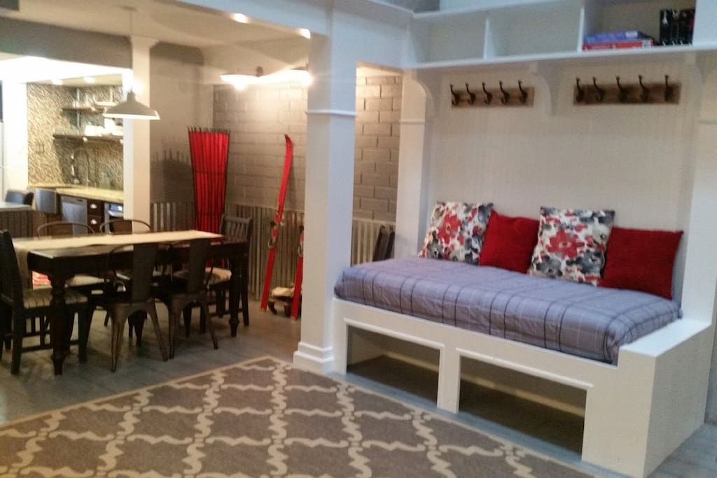 extra family room area with twin bed