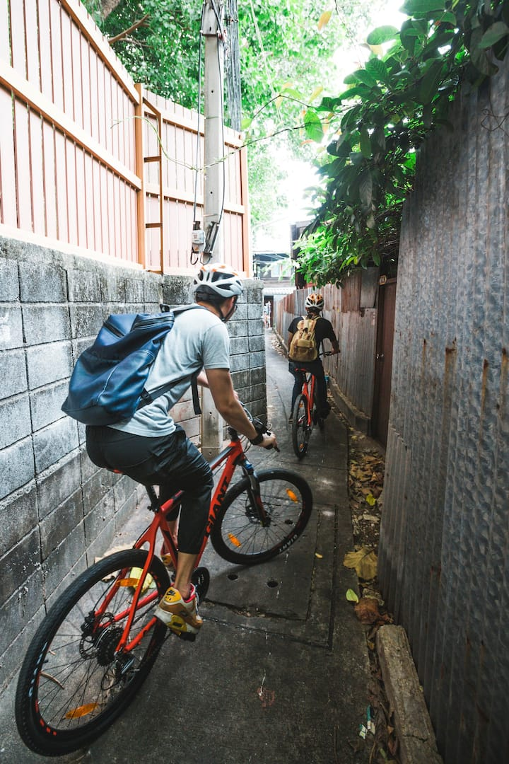 We will cycle through some alley path