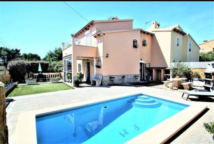 Villa badia blava