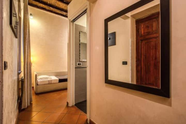 Private  single room near Navona Square