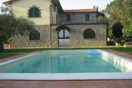 Villa Mathias  con piscina - Passignano Sul Trasimeno