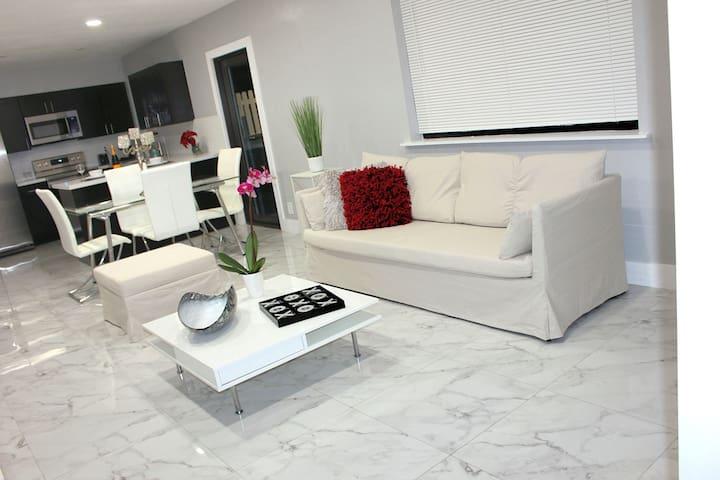 Luxury, Sanitized & Beautifully Remodeled 2BR Apt