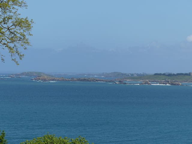 La Cerisaie, chambres très belle vue mer