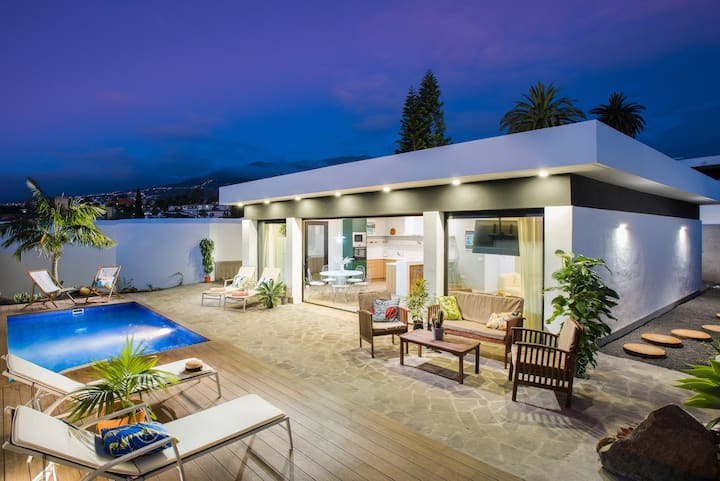 Villa with Private pool & sunny terrace