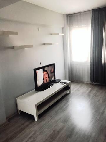 İzmir Alsancak Merkezi Konumda Mobilyalı