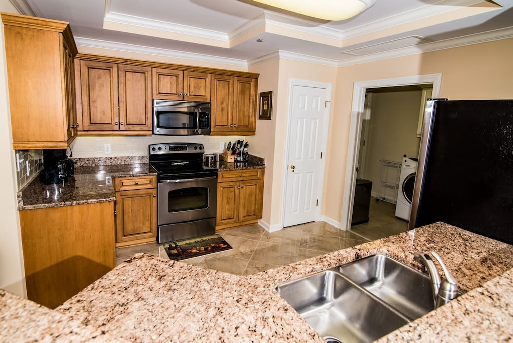 Kitchen - Granite Counters and Stainless Appliances